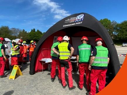 Exercice d'entraînement avec l'équipe des Pompiers de l'Urgence Internationale